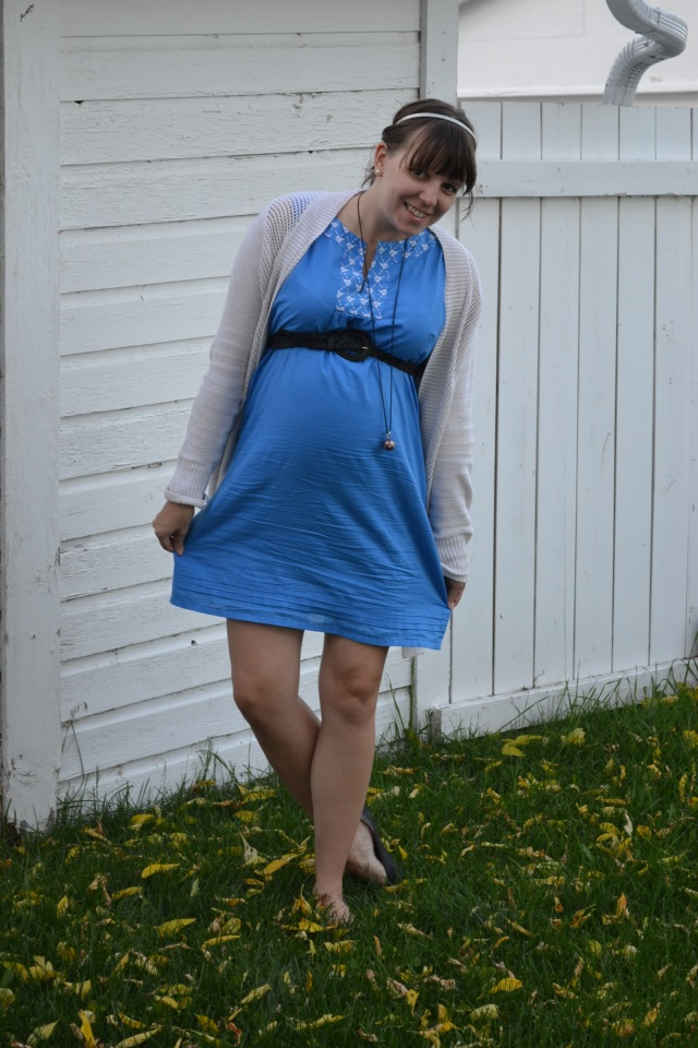 autumn maternity look